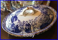 ROYAL CROWN DERBY Blue Mikado Lidded, Pedestal style Casserole Dish Perfect