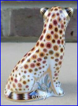 ROYAL CROWN DERBY Paperweight Cheetah Cub